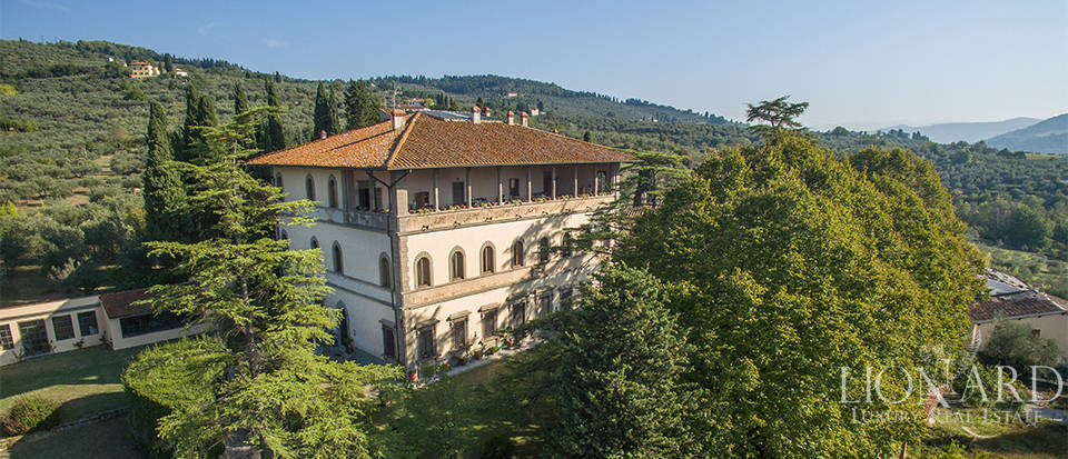 elegant luxury apartment in a villa in fiesole