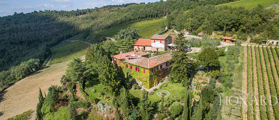 luxury property for sale among tuscan vineyards