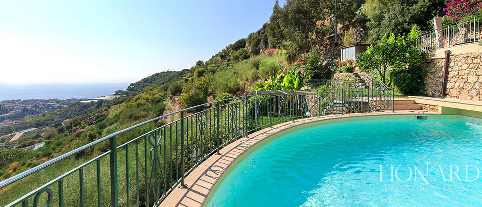 Luxury house with swimming pool for sale in Liguria Image 21