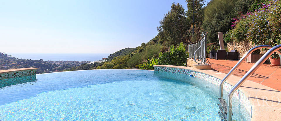Luxury house with swimming pool for sale in Liguria Image 22