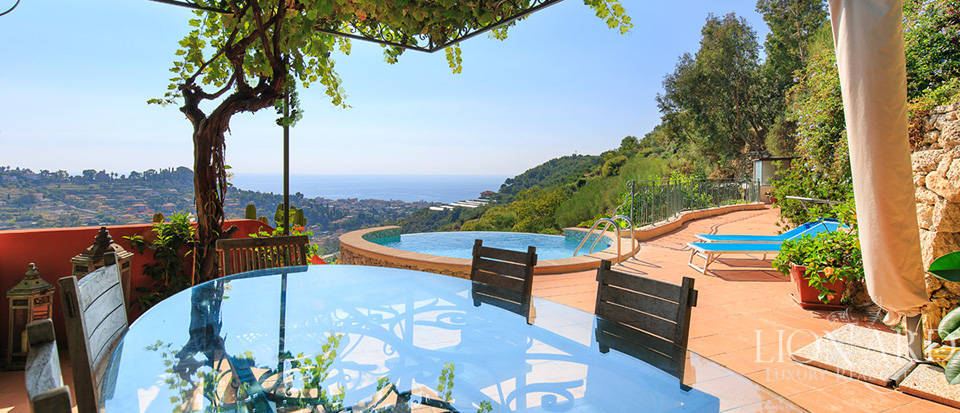 Luxury house with swimming pool for sale in Liguria Image 24