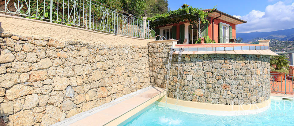 Luxury house with swimming pool for sale in Liguria Image 27