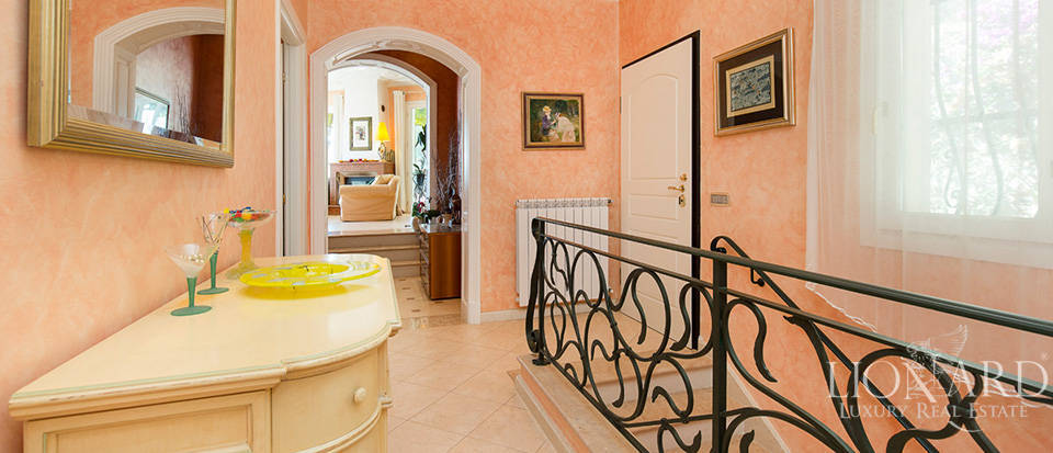 Luxury house with swimming pool for sale in Liguria Image 43