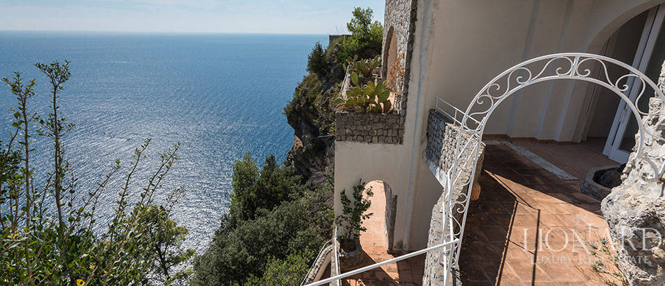 Luxry hotel for sale on the Amalfi Coast Image 25