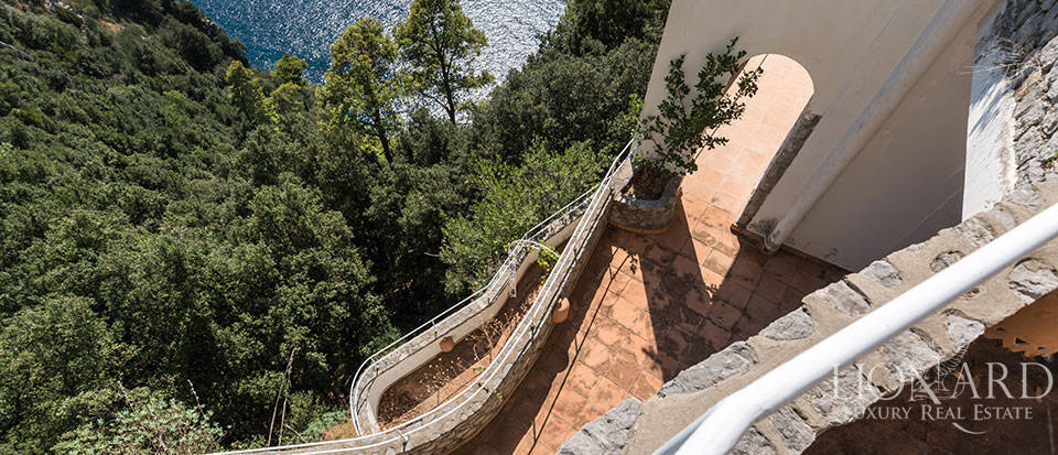 Luxry hotel for sale on the Amalfi Coast Image 26