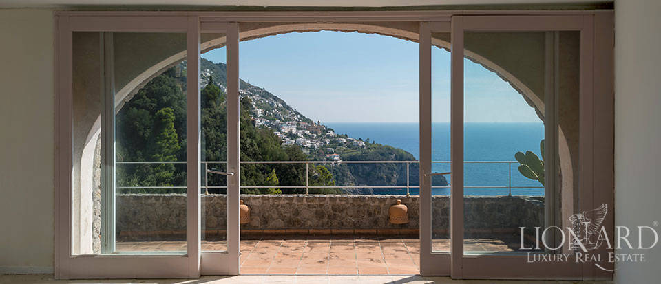 Luxry hotel for sale on the Amalfi Coast Image 28