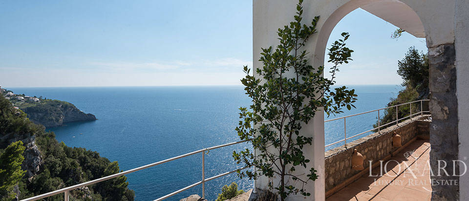 Luxry hotel for sale on the Amalfi Coast Image 30
