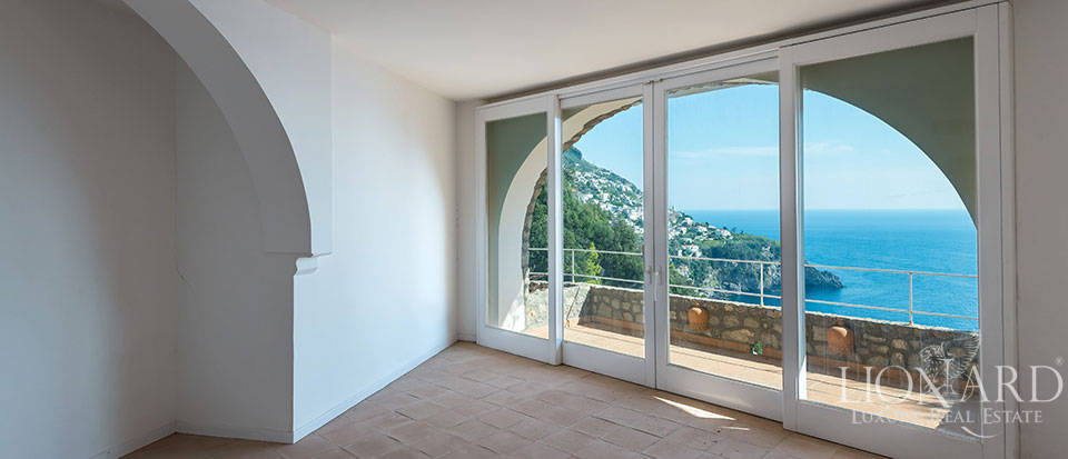 Luxry hotel for sale on the Amalfi Coast Image 32