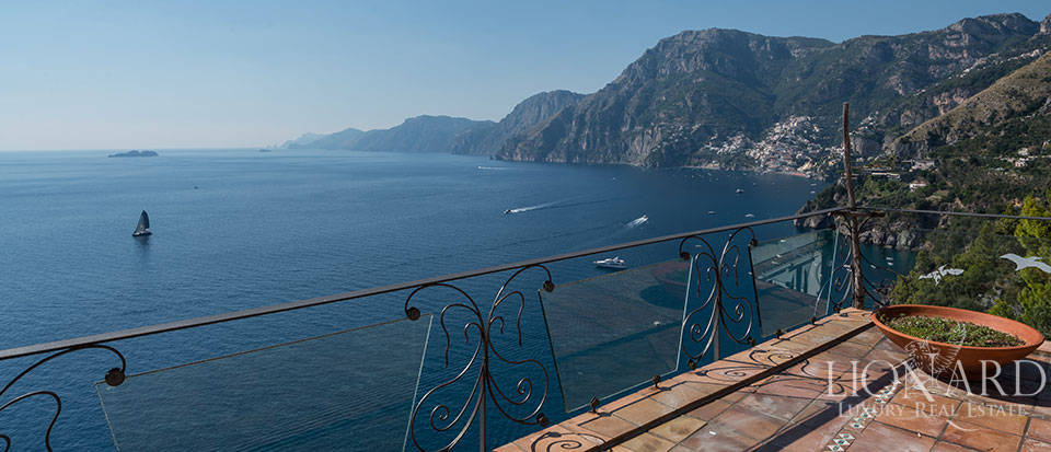 Luxry hotel for sale on the Amalfi Coast Image 44