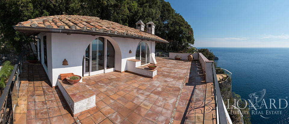 Luxry hotel for sale on the Amalfi Coast Image 49