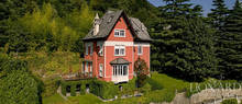 villa for sale in front of lake como