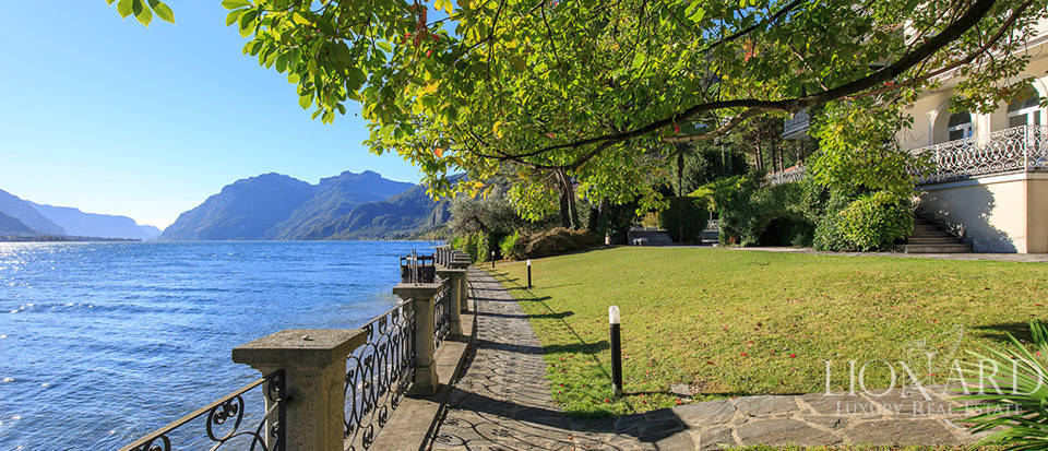 Villa for sale on the shores of Lake Como Image 17