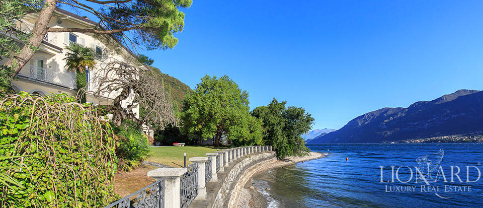 Villa for sale on the shores of Lake Como Image 18