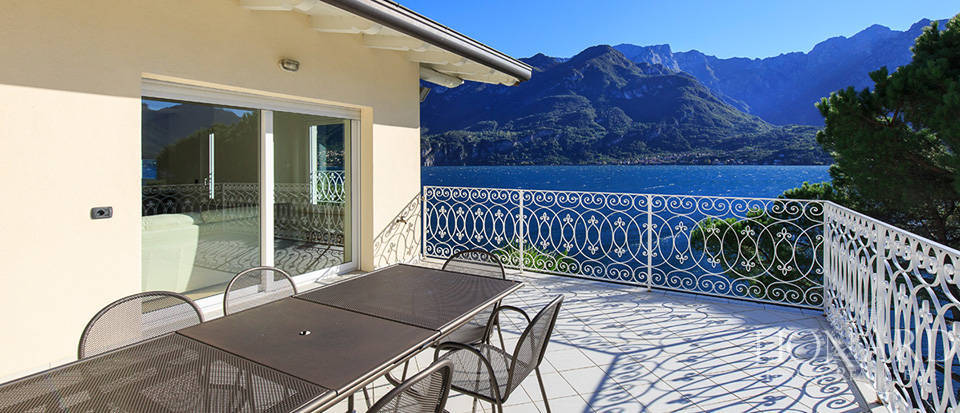 Villa for sale on the shores of Lake Como Image 15