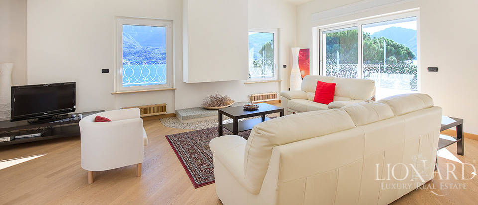 Villa for sale on the shores of Lake Como Image 30