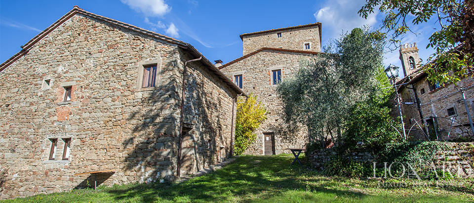 Farm holiday resort with swimming pool for sale in Tuscany Image 23