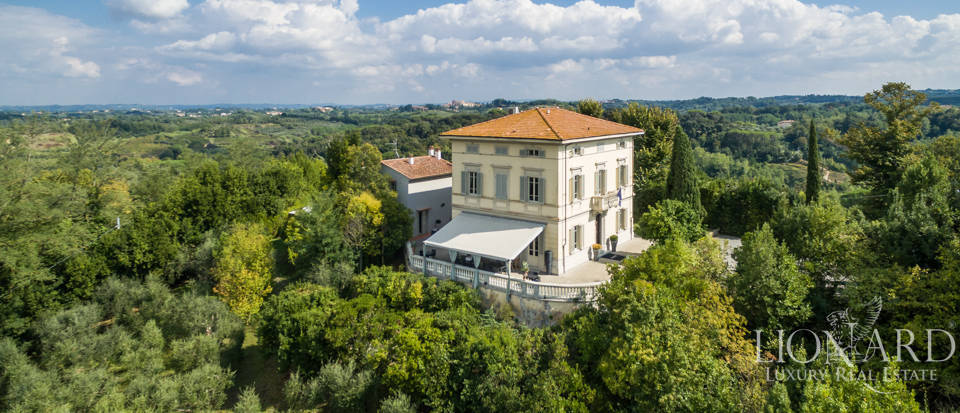 Prestigious complex for sale on Pisa