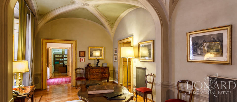 Luxury apartment for sale in Central Rome Image 1