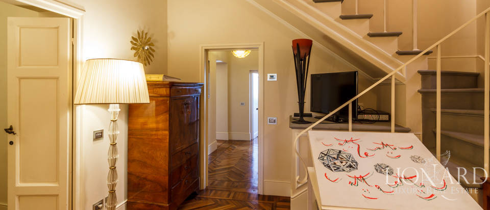 Villa with swimming pool for sale in Florence Image 66