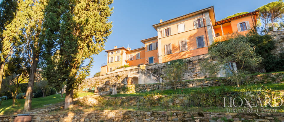 Villa with swimming pool for sale in Florence Image 16