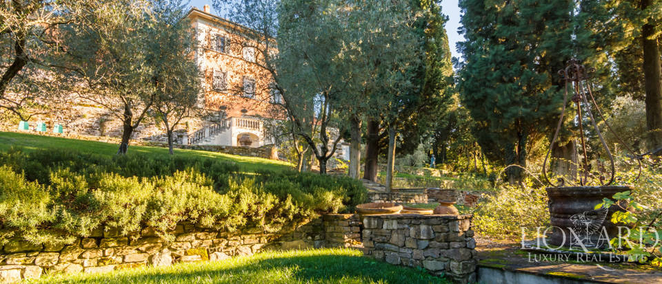 Villa with swimming pool for sale in Florence Image 17