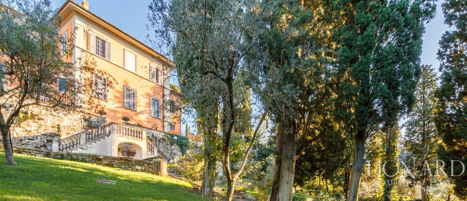 Villa with swimming pool for sale in Florence Image 19
