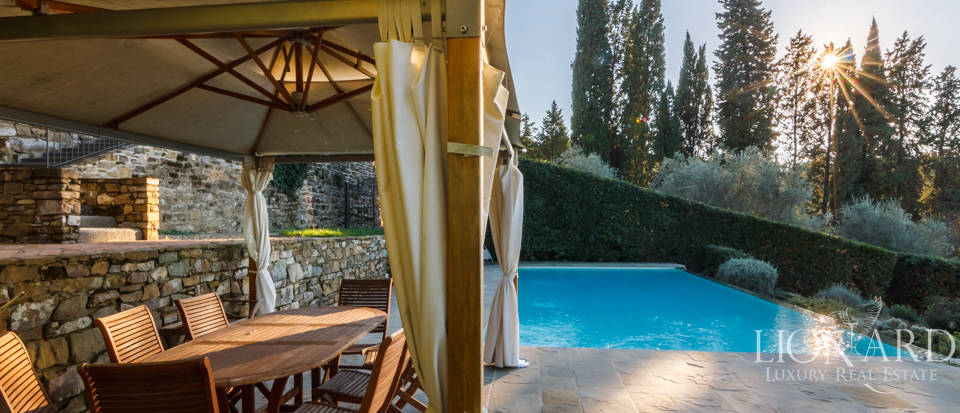 Villa with swimming pool for sale in Florence Image 26
