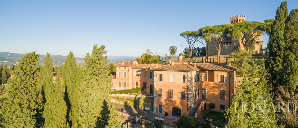 Villa with swimming pool for sale in Florence Image 6