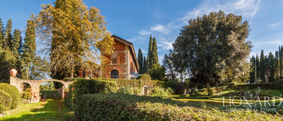 Luxury villa near Florence Image 24