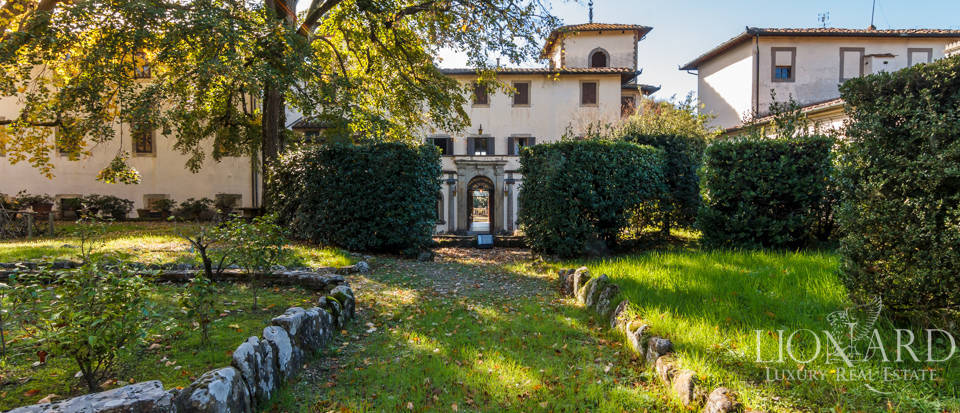 Luxury villa near Florence Image 48