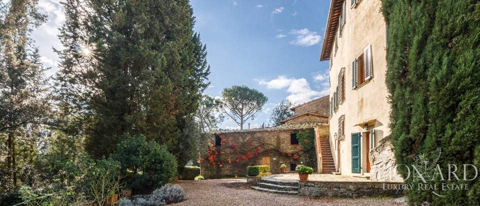 Dream home in the province of Florence Image 4