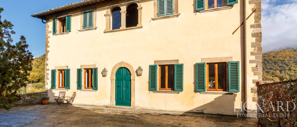 Dream home in the province of Florence Image 6