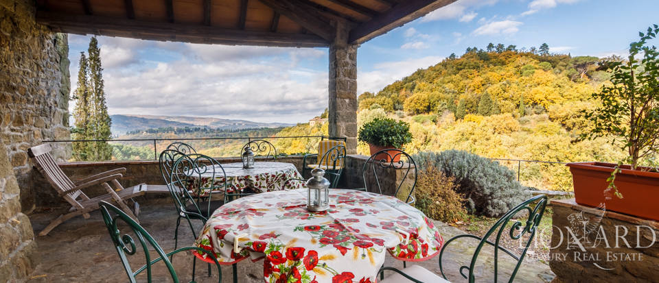 Dream home in the province of Florence Image 12
