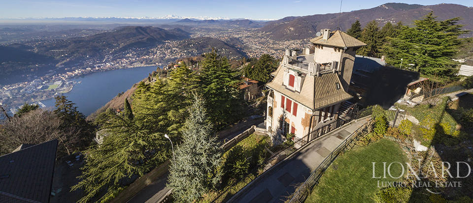 Magnificent villa for sale by Lake Como Image 1