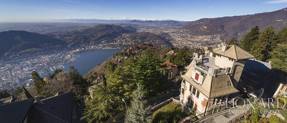 magnificent villa for sale by lake como