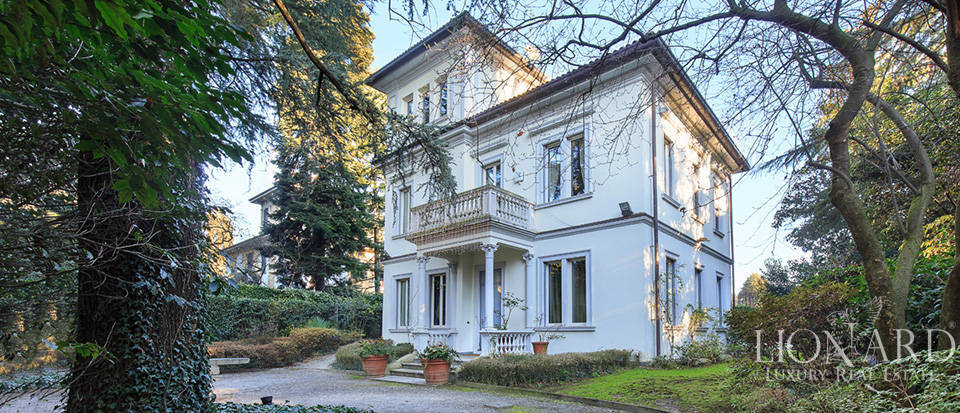 Luxury villa close to Milan for sale Image 5