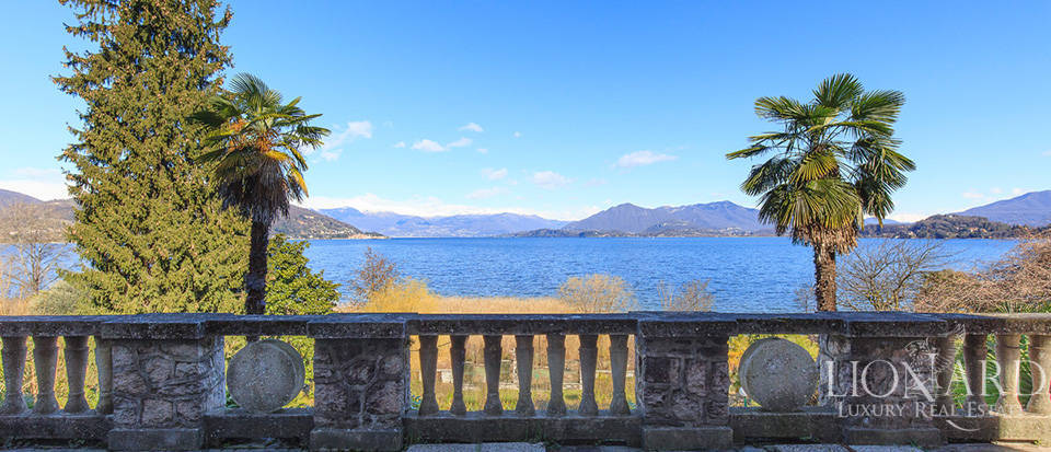 Villa for sale by Lake Maggiore Image 17