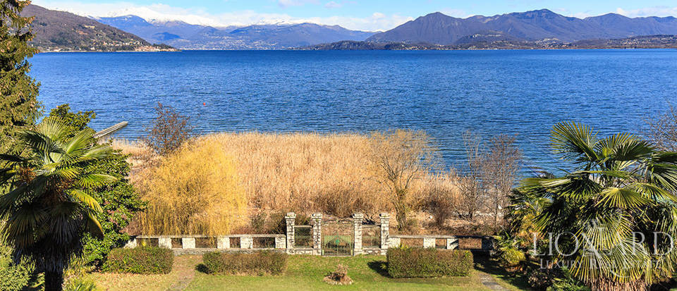 Villa for sale by Lake Maggiore Image 12