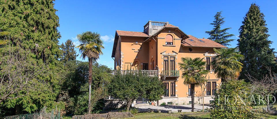 Villa for sale by Lake Maggiore Image 16