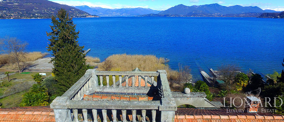Villa for sale by Lake Maggiore Image 9