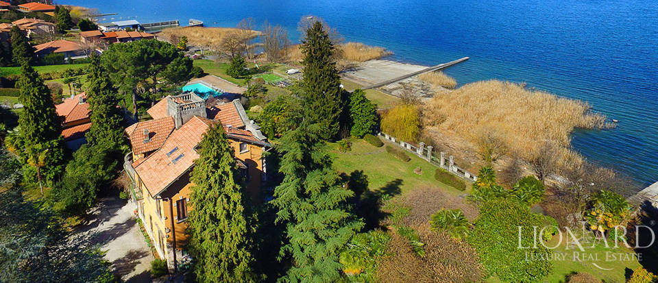 Villa for sale by Lake Maggiore Image 35