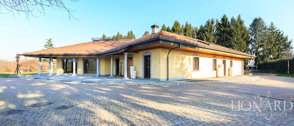 Villa for sale in Brianza Image 6