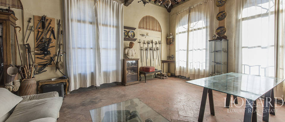 Stunning luxury property for sale near Florence Image 30