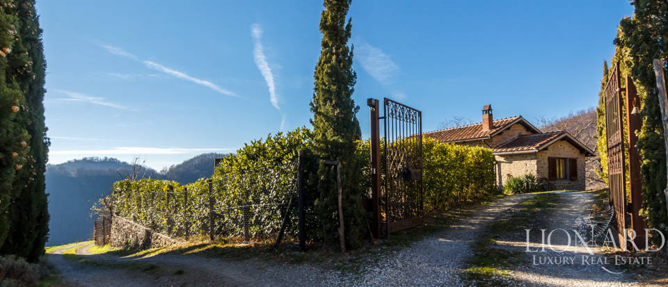 Luxury hamlet for sale near Florence Image 11