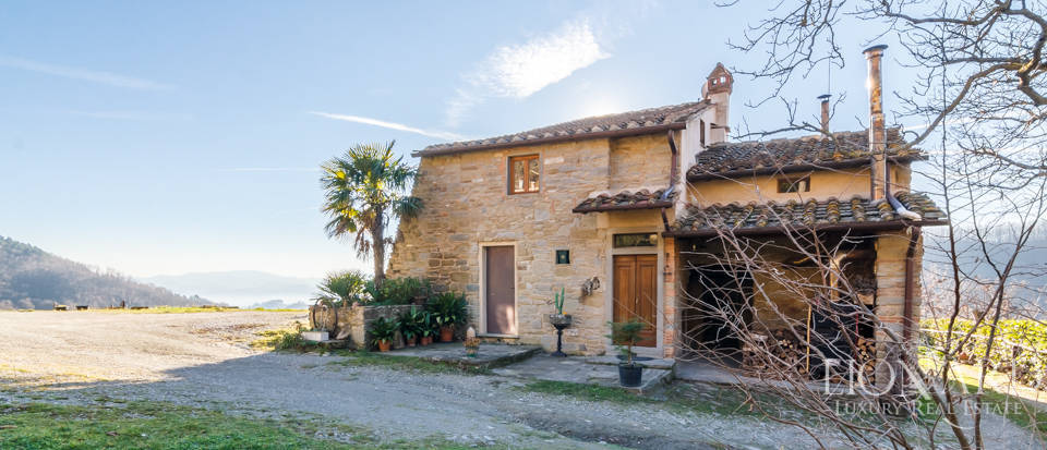 Luxury hamlet for sale near Florence Image 18