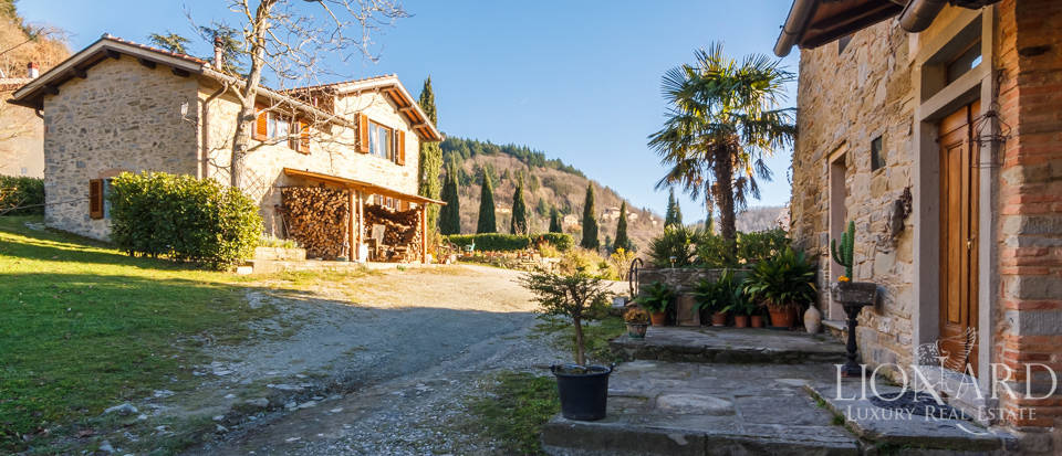 Luxury hamlet for sale near Florence Image 21