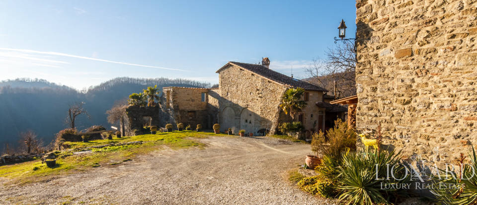 Luxury hamlet for sale near Florence Image 23