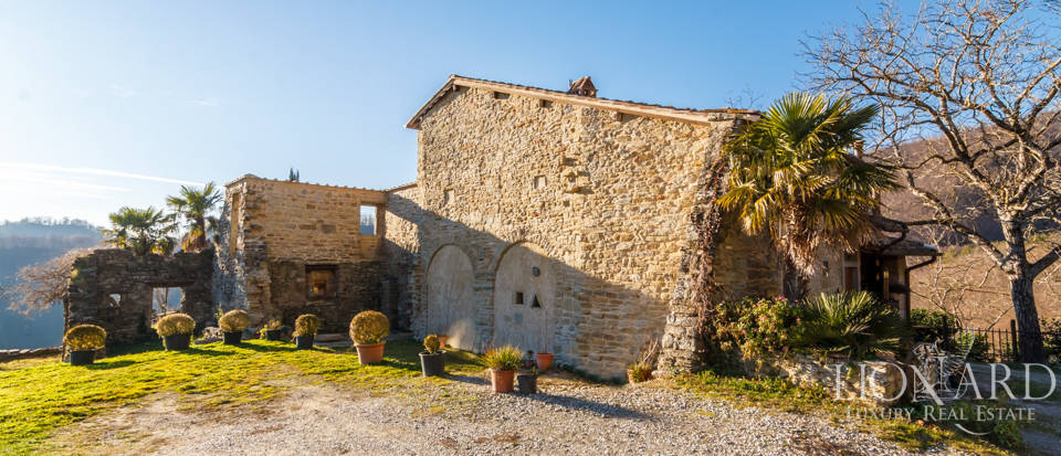 Luxury hamlet for sale near Florence Image 24