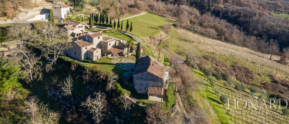Luxury hamlet for sale near Florence Image 1