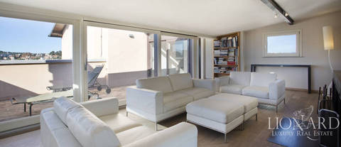 luxurious apartment with a terrace for sale in rome